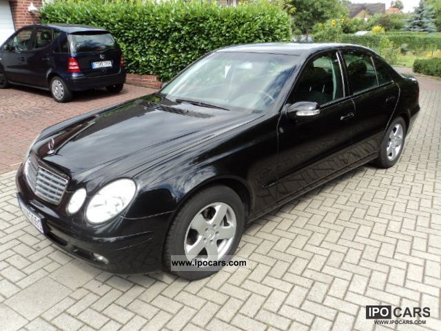 2004 mercedes benz e 220 cdi automatic classic car photo and specs. Black Bedroom Furniture Sets. Home Design Ideas