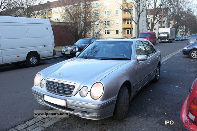 2001 mercedes benz e 220 cdi elegance car photo and specs. Black Bedroom Furniture Sets. Home Design Ideas