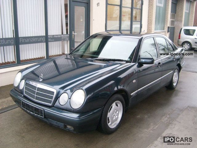 1998 mercedes benz e 200 classic car photo and specs. Black Bedroom Furniture Sets. Home Design Ideas