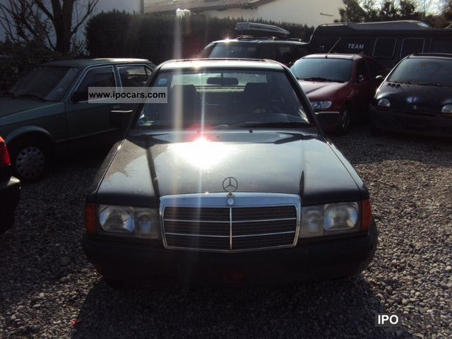 1987 Mercedes-Benz  190 AUTOMATIC Limousine Used vehicle photo