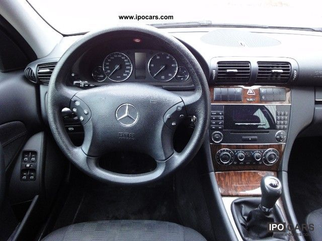2006 mercedes benz c 220 cdi dpf checkbook climate control cruise control car photo and specs. Black Bedroom Furniture Sets. Home Design Ideas