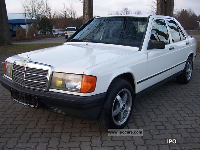 1983 Mercedes-Benz  190 E, ONLY 62000 km! Limousine Used vehicle photo