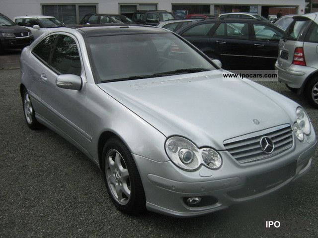 2004 mercedes benz c class c 200 k car photo and specs. Black Bedroom Furniture Sets. Home Design Ideas