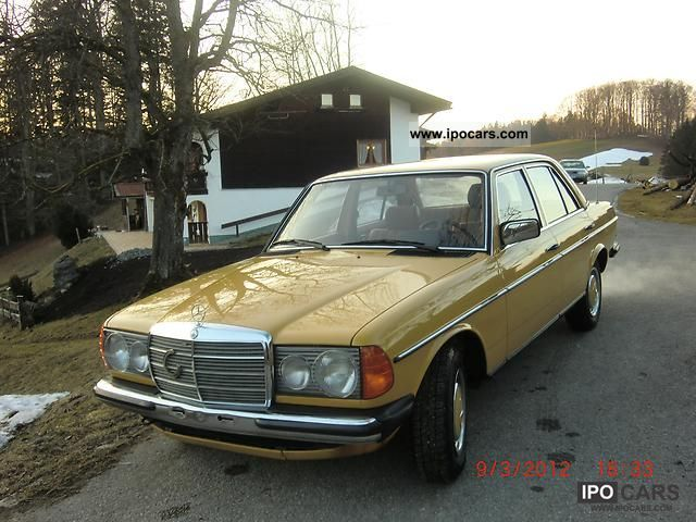 1981 Mercedes-Benz  200 123 Limousine Used vehicle photo