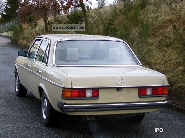 1982 Mercedes-Benz W123 250 Automatic - Car Photo and Specs