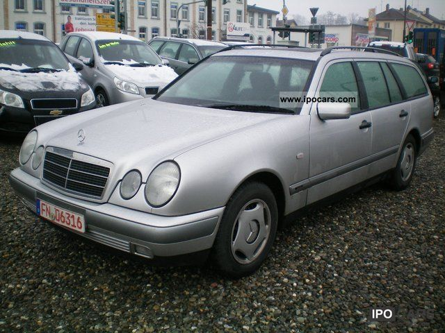 1999 Mercedes-Benz  E 200 T Classic Estate Car Used vehicle photo