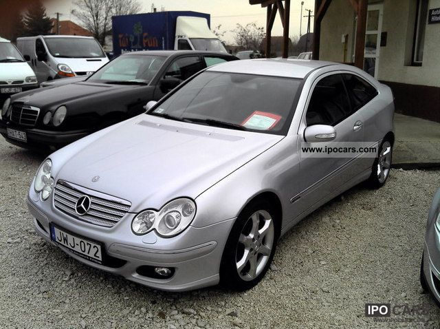 2005 mercedes benz c 160 sports coupe car photo and specs for Mercedes benz coupe 2005