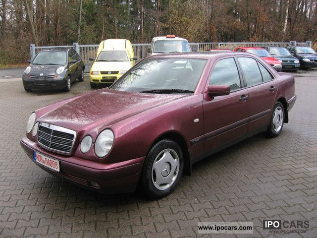 1996 mercedes benz e 220 diesel sunroof car photo and specs. Black Bedroom Furniture Sets. Home Design Ideas
