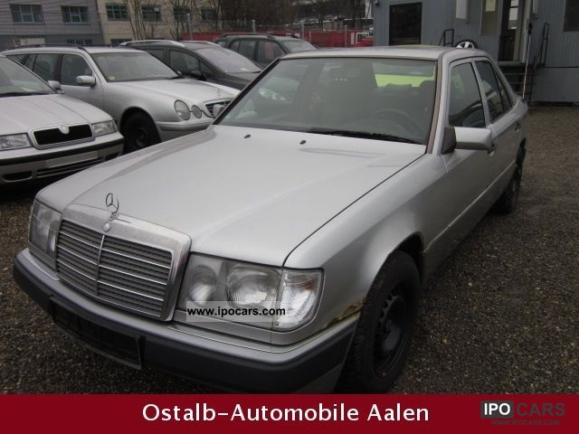 1993 Mercedes-Benz  200 E, sunroof Limousine Used vehicle photo