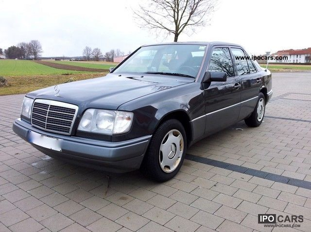 1994 mercedes benz e 220 car photo and specs. Black Bedroom Furniture Sets. Home Design Ideas