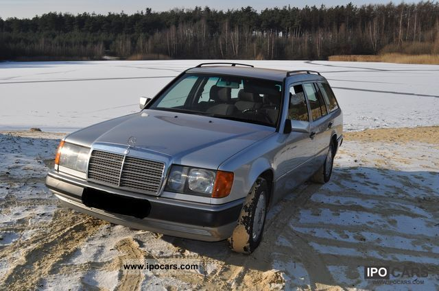 1992 Mercedes-Benz  E 300 Estate Car Used vehicle photo