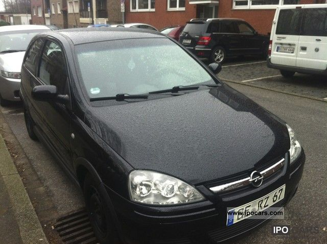 2005 opel corsa 1 2 16v easytronic car photo and specs. Black Bedroom Furniture Sets. Home Design Ideas