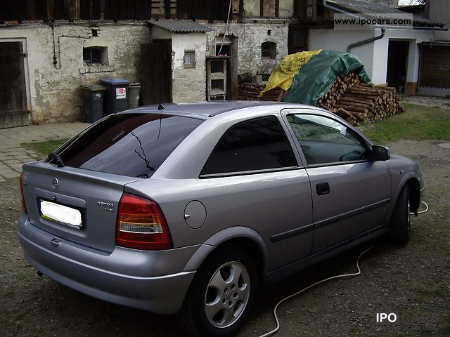 2000 opel astra 1 8 edition 2000 car photo and specs. Black Bedroom Furniture Sets. Home Design Ideas