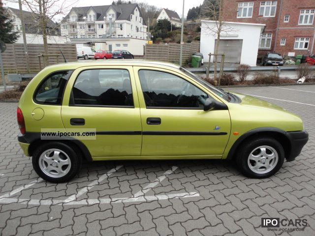 1998 opel corsa 1 hand power air euro4 technical approval 03 2013 car photo and specs. Black Bedroom Furniture Sets. Home Design Ideas