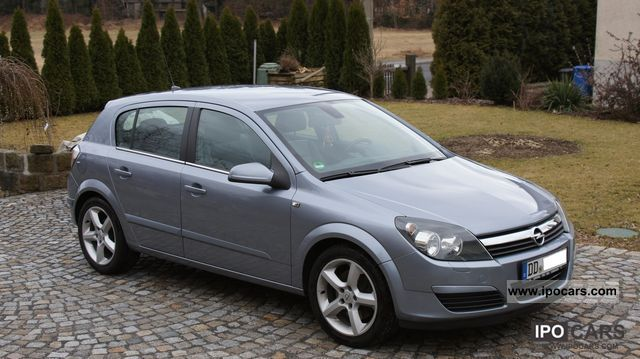 2004 opel astra 1.9 cdti cosmo - car photo and specs