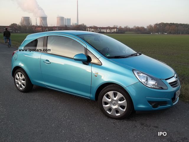 2010 Opel  Corsa 1.2 16V ecoFLEX Edition 111 years Small Car Used vehicle photo