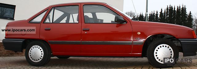 1990 Opel  Kadett E LS Limousine Used vehicle photo