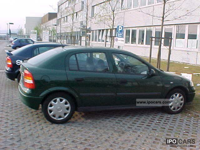 1999 Opel  DI Astra 2.0 Elegance Limousine Used vehicle photo