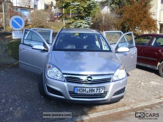 2008 Opel  Astra 1.8 Caravan Estate Car Used vehicle photo