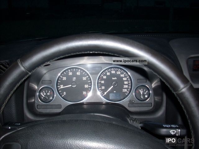 2003 Opel Astra 1.6 Caravan  Estate Car Used vehicle photo 3