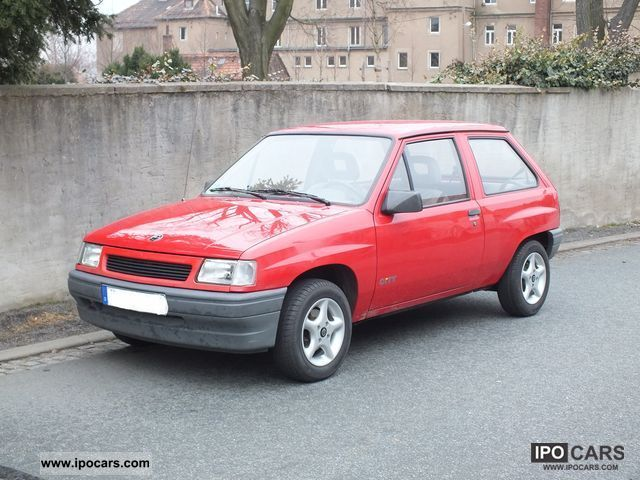 1992 opel corsa a city car photo and specs. Black Bedroom Furniture Sets. Home Design Ideas