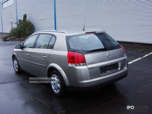 2004 Opel  Signum 8.1 Estate Car Used vehicle photo