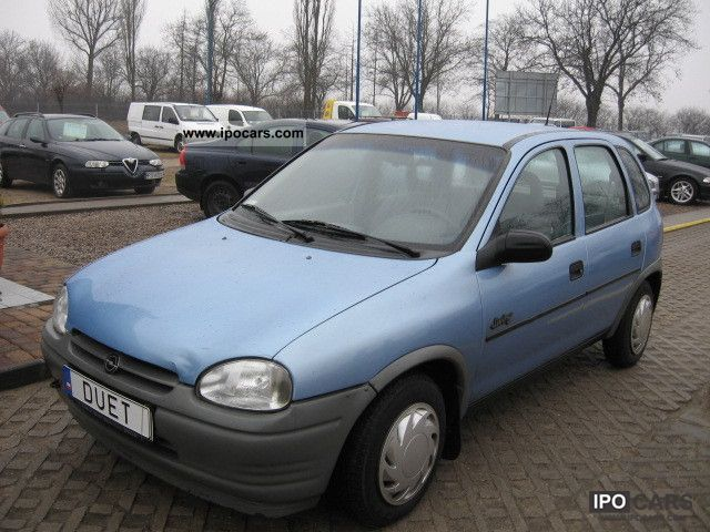 1995 opel corsa 1 4 pb 60km car photo and specs. Black Bedroom Furniture Sets. Home Design Ideas