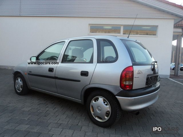 1998 opel corsa swing 16v power steering d3 approved car photo and specs. Black Bedroom Furniture Sets. Home Design Ideas