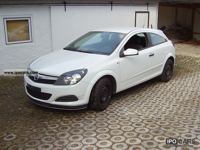 2009 Opel  Astra GTC 1.7 CDTI DPF (119g) Selection 110 years Limousine Used vehicle photo