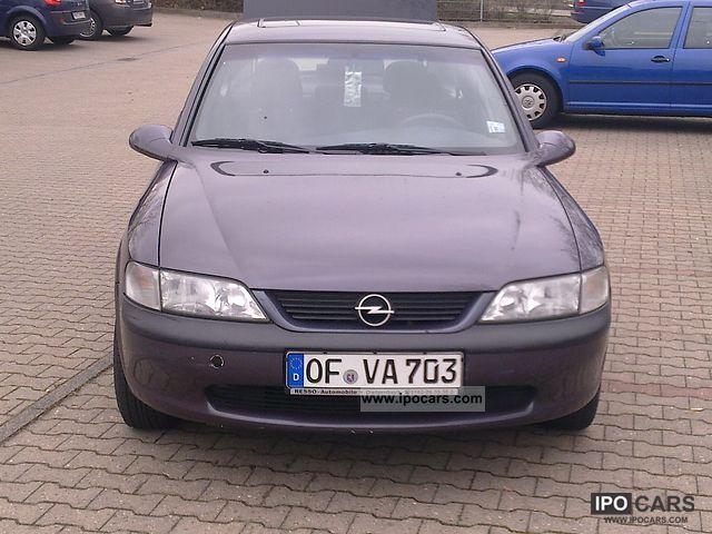 1998 Opel  1,6 16V Limousine Used vehicle photo