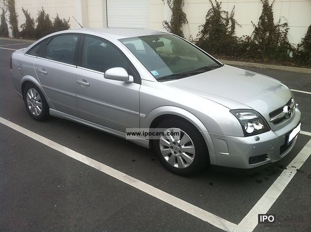2004 opel vectra 2 2 gts xenon partial leather automatic car photo and specs. Black Bedroom Furniture Sets. Home Design Ideas
