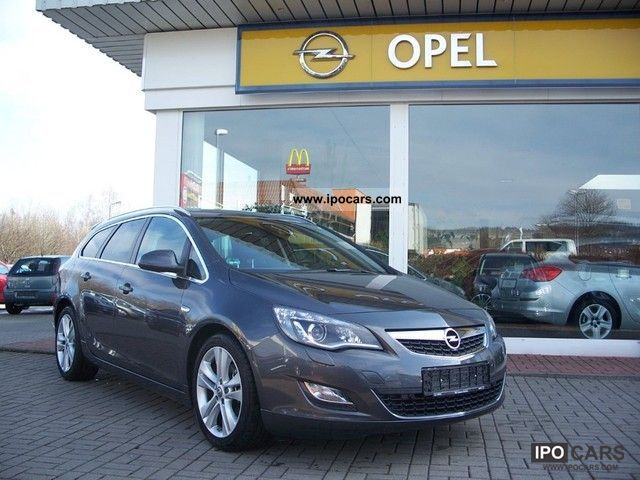 ... Opel Astra 2.0 CDTI DPF Sports Tourer Start / Stop Innovation 2011 Used  Vehicle Photo
