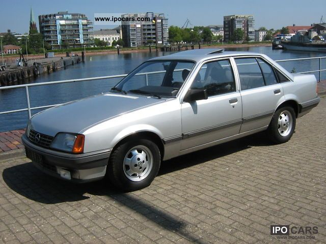1984 Opel  E first record 2.0 Einspr. Hd, Scheckh. gepfle Limousine Used vehicle photo
