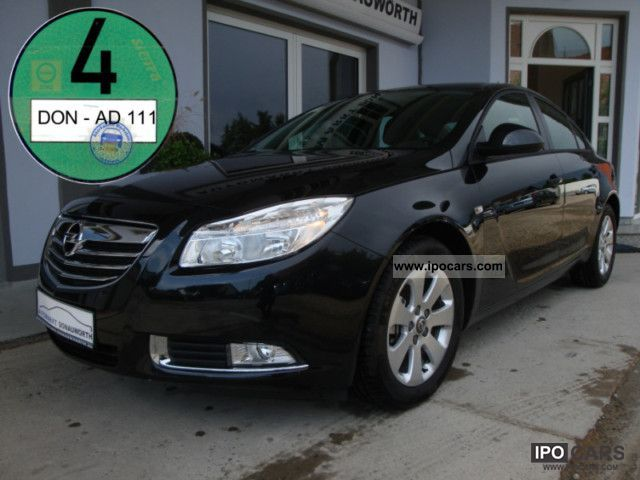 2010 Opel  Insignia 1.8 Selection aluminum 17-inch air-automation Limousine Used vehicle photo