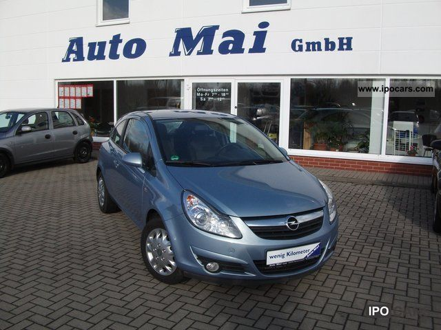 2009 Opel  Corsa 1.2 innovation Limousine Used vehicle photo