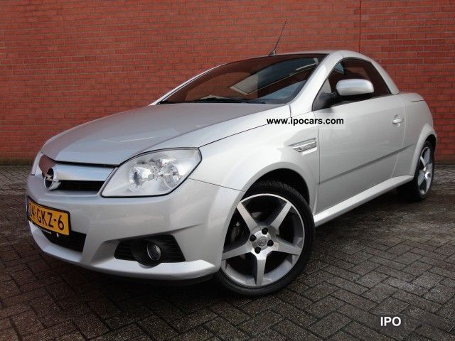 2008 Opel  Twintop Tigra 1.4 16v Linea Rossa Automaat Cabrio / roadster Used vehicle photo
