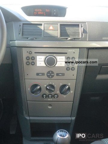 2008 opel meriva 1 6 16v edition radio cd 30 mp3 car. Black Bedroom Furniture Sets. Home Design Ideas