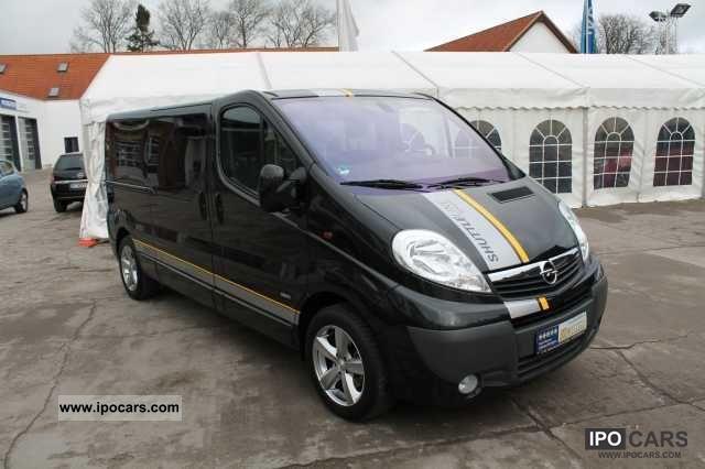 2011 Opel  2.0 CDTI Vivaro Combi Shuttle Line L2H1 2.9 t cli Van / Minibus Employee's Car photo