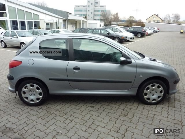 2001 peugeot 206 1 6 16v xs 110 car photo and specs. Black Bedroom Furniture Sets. Home Design Ideas