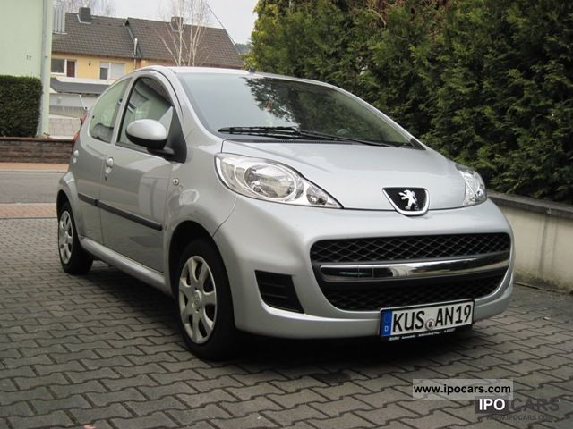 2009 peugeot 107 70 rogue car photo and specs. Black Bedroom Furniture Sets. Home Design Ideas