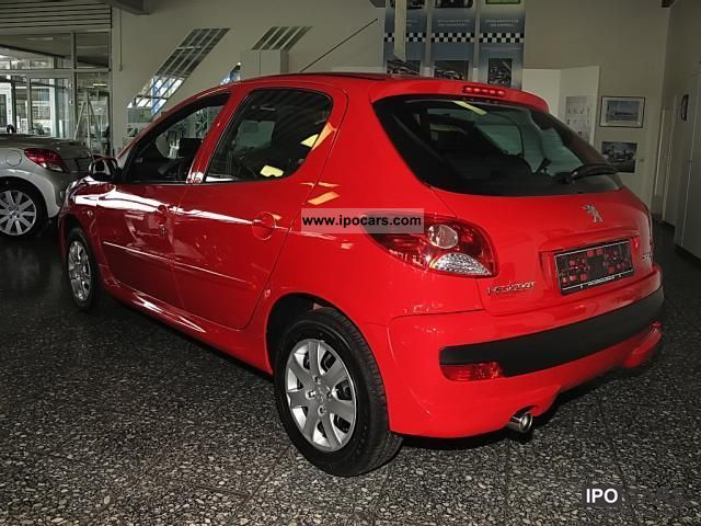 2012 Peugeot  206 + 1.4 75 CD radio air design package Limousine Pre-Registration photo