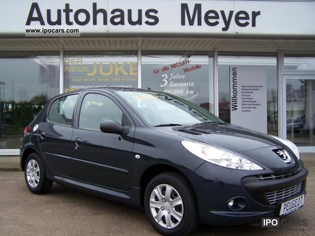 2010 Peugeot  206 + 1.1 60 Trendy, air conditioning, CD radio Small Car Used vehicle photo