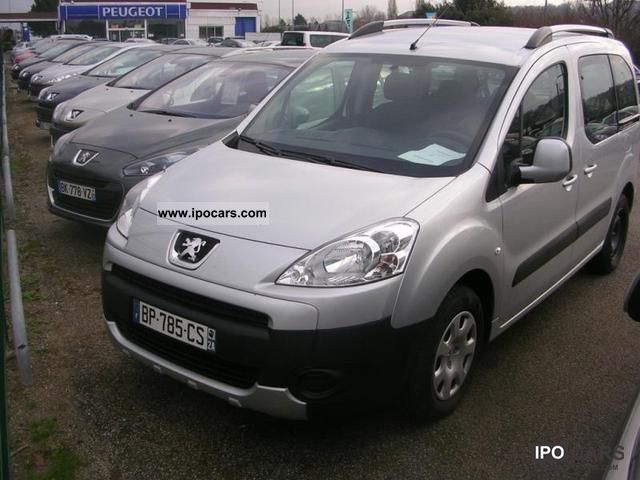 2011 Peugeot  Partner Tepee 1.6 HDi92 FAP Loisirs 7PL Estate Car Used vehicle photo