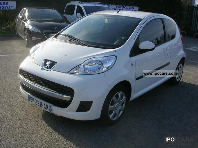 2011 peugeot 107 1 0 12v trendy euro 5 3p car photo and specs. Black Bedroom Furniture Sets. Home Design Ideas