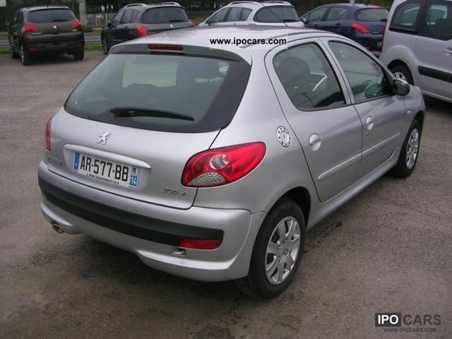 2010 Peugeot 206 HDi photo - 2