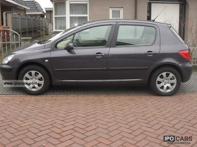2001 Peugeot  307 Limousine Used vehicle photo