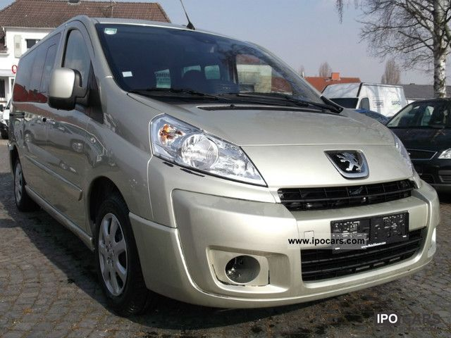 2010 Peugeot  Expert Combi 9 seater L2H1 premium navigation system! Estate Car Used vehicle photo