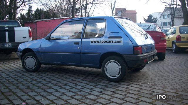 1992 Peugeot  205 Green Small Car Used vehicle photo