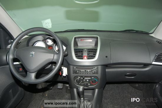2010 Peugeot 206 Air Cd Only 6500 Km Car Photo And