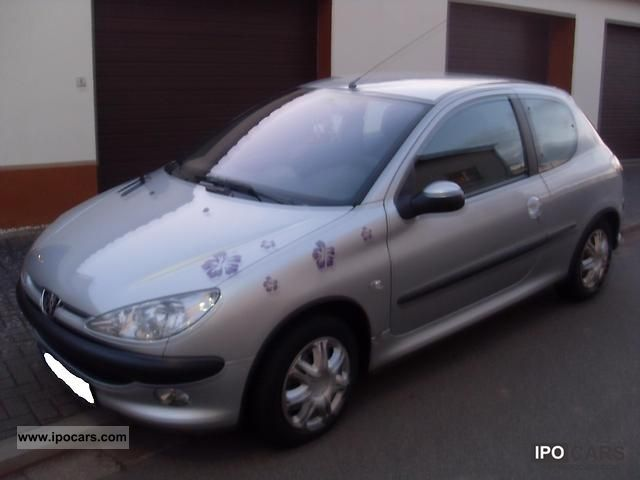 2004 Peugeot  206 75 Small Car Used vehicle photo